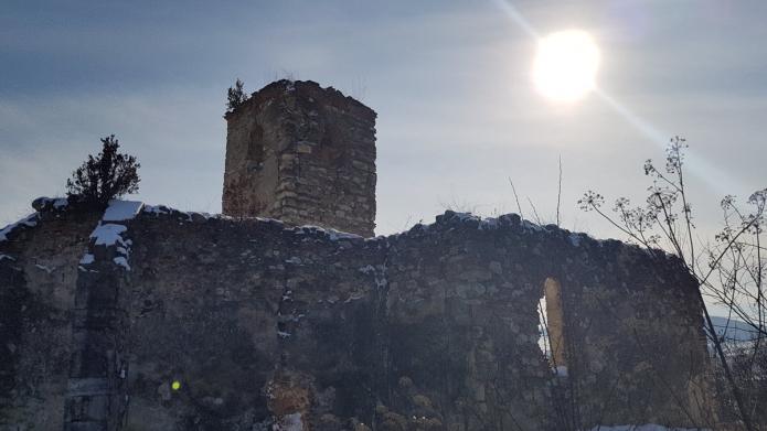 A borosbenedeki templomromnál