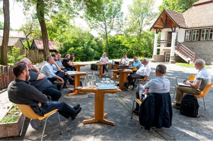 A 2020. június 21. illyefalvi megbeszélés résztvevői