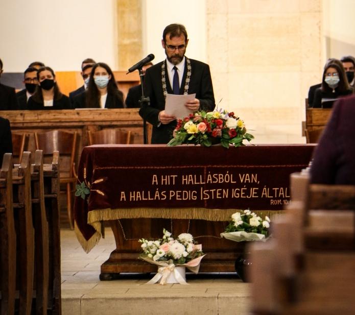 Tanévnyitó beszédet mond Kolumbán Vilmos József rektor