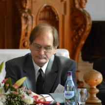 Békési Sándor, a Károli Gáspár Református Egyetemről