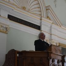 Igét hirdet Kató Béla püspök