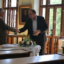 Kállay Dezső rektor köszönti Sven Grosset