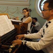 Orgonán játszik: Béres Levente. Fuvolázik: Tőtős Emese Brigitta